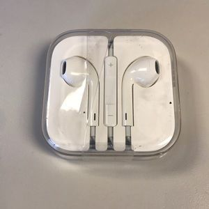 Apple EarPods, Volume Control & Mic, 3.5mm Jack
